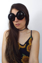 Mod Queen Super Oversized Round Sunglassess - Solid Black