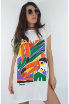 Vintage 90s Oversized Cancun Toucan Tee