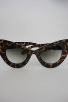 Oversized Cat Eye Sunglasses - Animal Print
