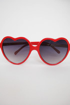 Heart-Shaped Lolita Sunglasses - Red