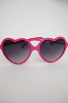 Heart-Shaped Lolita Sunglasses - Pink