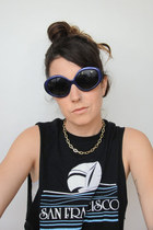 In Utero 90s Retro Oval Sunglasses