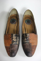 Vintage 80s Tribal Print Textured Leather Flats -- Size 6.5