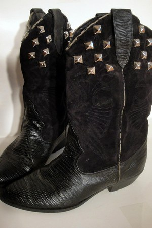 Total Recall Vintage boots