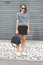 heather gray Rodarte t-shirt - navy Louis Vuitton bag - black ray-ban sunglasses