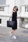 Black-gap-dress-black-mansur-gavriel-bag-black-ray-ban-sunglasses