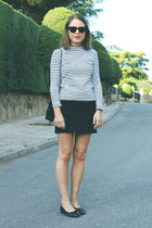 black Chanel bag - black ray-ban sunglasses - white Petit Bateau top
