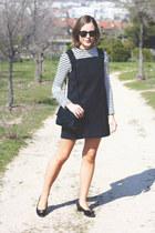 black Reed Krakoff bag - navy VANESSA BRUNO dress - black ray-ban sunglasses