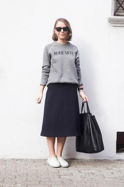 navy COS skirt - black Celine bag - black Ray Ban sunglasses