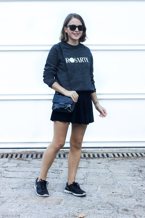 dark gray Rodarte sweatshirt - black Reed Krakoff bag - black ray-ban sunglasses