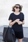 Cream-jcrew-hat-black-ray-ban-sunglasses-black-daniel-wellington-watch