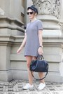 Navy-theory-dress-navy-barbour-hat-navy-louis-vuitton-bag
