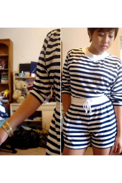 shirt - shorts - bracelet