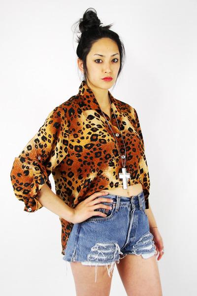 tawny Trashy Vintage shirt