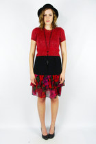 Ruby-red-trashy-vintage-skirt
