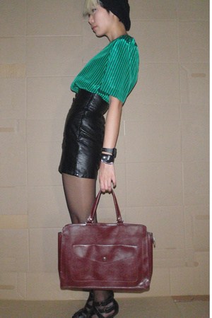 vintage blouse - hnm skirt - hnm hat - thrifted purse - forever 21 shoes