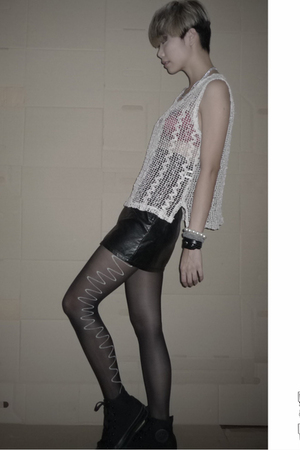 blouse - hnm skirt - leggings - Converse shoes - La Senza bra