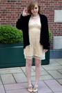 Cream-blu-pepper-dress-black-vintage-coat-light-pink-crown-vintage-heels