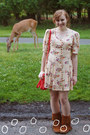 Tawny-minnetonka-boots-cream-vintage-dress-carrot-orange-steve-madden-bag