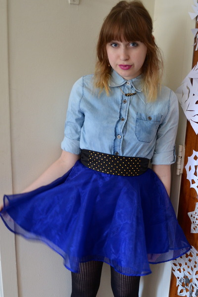 blue H&M skirt - light brown Jones New York shoes - black Forever 21 belt