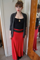 red skirt - heather gray XXI skirt