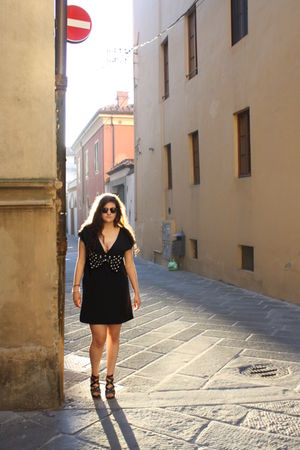 black Ray Ban glasses - black H&M dress - black Bata shoes