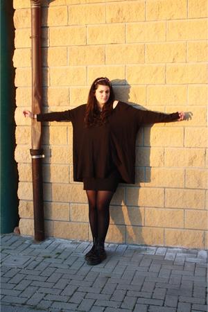 black H&M sweater - black skirt - black Calzedonia socks - black Dr Martens shoe