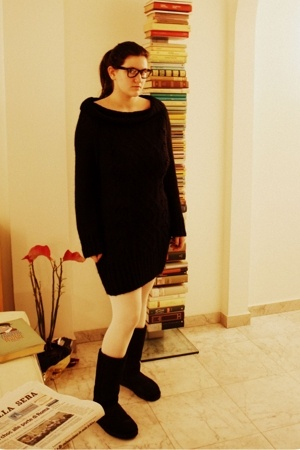 rayban glasses - H&M dress - tezenis socks - Ugg shoes