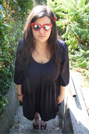 handmade accessories - sunglasses - H&M dress - solosoprani shoes