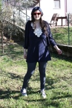 h&m baby hat - Ray Ban sunglasses - H&M top - H&M blazer - H&M leggings - Conver