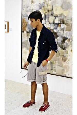 blue Levis top - yellow Mental shirt - beige 5cm shorts - red Swatch shoes