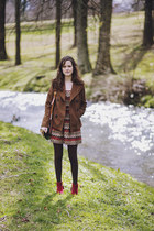 light brown pea Old Navy coat - ruby red ankle ONeill boots