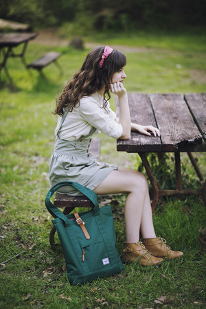 teal tote Herschel Supply Co bag - nude ecote boots - white oxford BDG shirt
