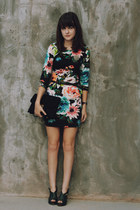 black floral H&M dress - black lace clutch Jason Wu for Target purse