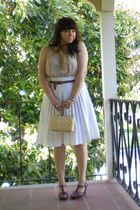 nude LuLus dress - neutral basket vintage bag - white pleated vintage skirt - da