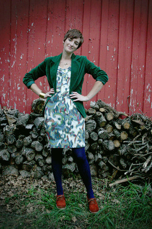 vera wang dress - modcloth shoes - We Love Colors tights