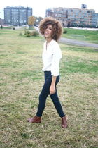 white Anna and Frank blouse - blue H&M jeans - brown Marias USA shoes