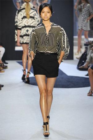 black Diane Von Furstenberg shorts - black Diane Von Furstenberg blouse - black