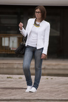 white Zara jacket - blue Stradivarius jeans - black BLANCO bag