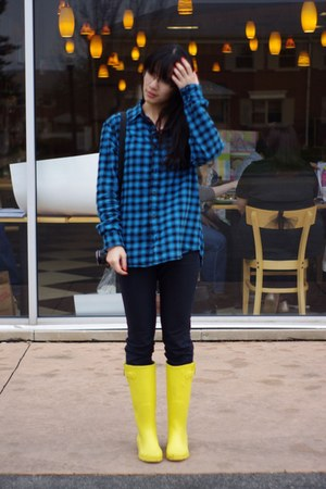 yellow Capelli New York boots - navy Rag and Bone jeans - blue Aeropostale shirt