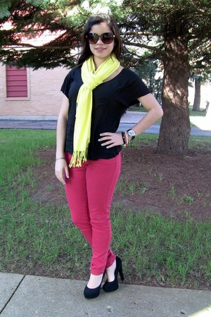 red skinny Forever21 jeans - yellow scarf H&M scarf - black top H&M t-shirt