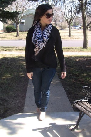 tan flats Payless flats - white scarf Guess scarf - black cardigan H&M cardigan