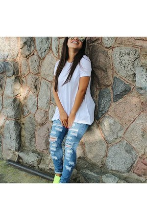 Tobi blouse - Forever 21 jeans - Quay Australia sunglasses - Zara sneakers