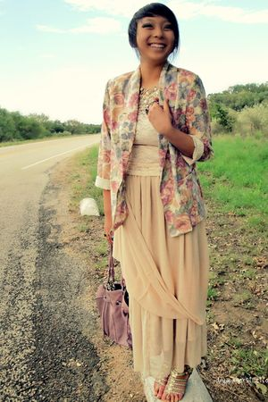 beige American Apparel skirt - beige vintage blazer