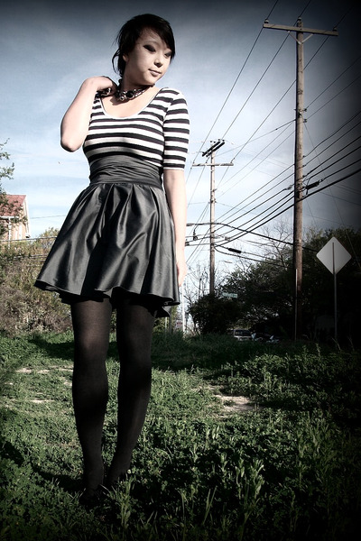 gray modcloth skirt
