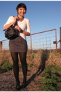 Gray-thrifted-blazer-gray-f21-skirt-white-f21-shirt-black-aldo-shoes-f21