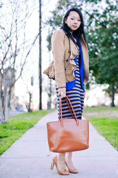 nude maxi dress Old Navy dress - camel ruffled Urban Outfitters coat