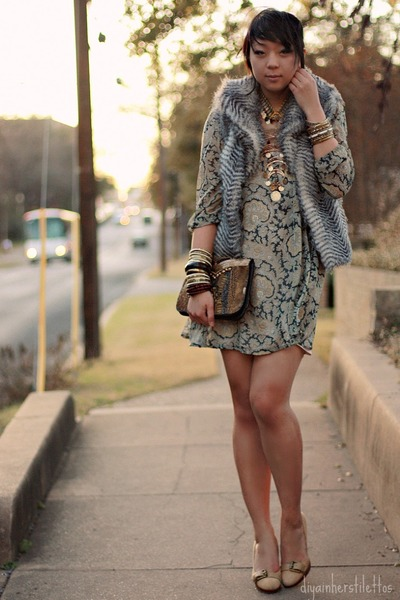 gold bangles Forever 21 bracelet - tan paisley asos dress