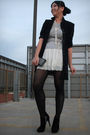 Black-thrifted-blazer-white-free-ppl-skirt-ebay-necklace-bakers-boots-uo