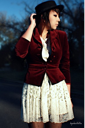 ivory lace Topshop dress - crimson velvet thrifted blazer